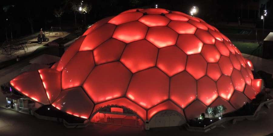 Cupula del Milenio Iluminada